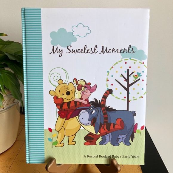 """Winnie the Pooh """"My Sweetest Moments"""" Baby Book"""